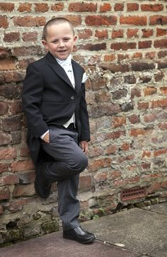 Pageboy looking cool at Howfield Manor Hotel