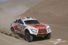 Mitsubishi Racing Lancer in Dakar Rally