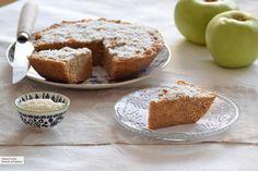 Pastel de manzana integral en microondas. Receta de postre fácil y sencilla