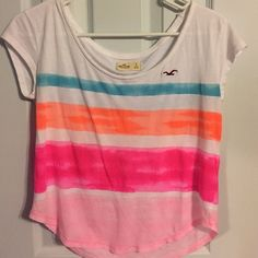 Hollister tee Cute crop top Hollister Tops Crop Tops
