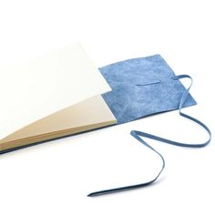 Bethge | Photo album made of smooth leather in inspiring blue.