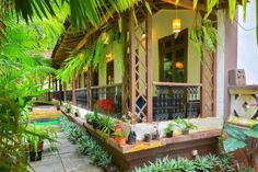 These hostels, guest houses and cheap hotels in Goa range from lively backpacker hostels near happening beaches, to quaint guest houses in village surroundings.