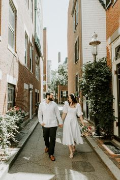 Couple kicking off their marriage roaming the street of Boston. | Image by Scarlet Roots Home Wedding, Wedding Blog, Wedding Styles, Destination Wedding Inspiration, Elopement Inspiration, Engagement Photo Outfits, Engagement Photos, Courthouse Wedding Dress, Scarlet