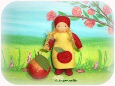 Apfel Mädchen Blumenkinder Jahreszeitentisch von Susannelfes Blumenkinder  auf DaWanda.com