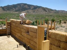 Straw bale houses - cheap. efficient & susteinable/ Casele din baloti de paie- ieftine, eficiente si sustenabile