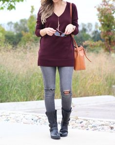 love the sweater color and necklace~ Lilly Style