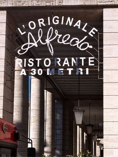 Typography of Rome, photographs by Paul Soulellis: L'originale Alfredo Ristorante