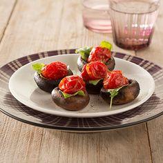 Op Verse Oogst heb ik dit heerlijke recept gevonden Geroosterde kastanje champignons met cherrytomaatjes. Lijkt het je ook lekker, bekijk het recept op Verse Oogst!