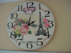 Naranja y Fucsia: Relojes de Pared Decoupage, Hickory Dickory, Stencils, Decorative Plates, Clock Faces, Scrapbook, Paris, Wall Clocks, Diy