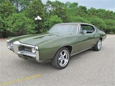1968 Pontiac LeMans -- looks like my first car, but mine was dark blue.