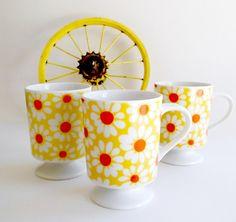 Vintage Yellow Daisy Pedestal Mugs.