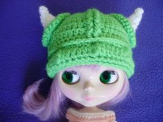 cute viking hat bright greenverde chillón by blythemia on Etsy, €12.00