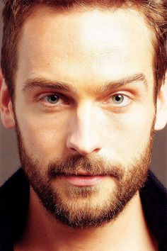 Tom Mison (one can see the impish sparkle in his eyes...I bet he's one fun-loving chap!)
