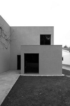 André Campos . Joana Mendes Arquitectos,   casa em vilar, vila do conde, portugal, 2002-2009