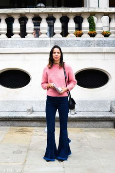 Aunque of Esperanza de la Fuente, Stylist and the best street style from London Fashion Week. Update your wardrobe and style - sign up to irislillian.com to ask Elissa for killer styling tips and great outfits for the office.