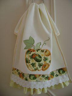 pano de prato - Hand Towels - Ideas of Hand Towels Dish Towels, Hand Towels, Tea Towels, Sewing Hacks, Sewing Crafts, Crochet Projects, Sewing Projects, Towel Apron, Decorative Towels