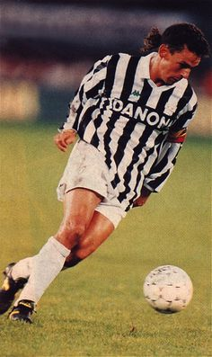 World Football, Football Players, Roberto Baggio, Juventus Fc, Bago, Grande, Soccer, Fitness, Football