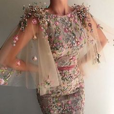 Best Design Ideas for Haute Couture Dresses Couture Dresses, Fashion Dresses, Fashion Clothes, Maxi Dresses, Casual Dresses, Pretty Dresses, Beautiful Dresses, Beautiful Gif, Moda Femenina