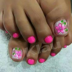 Pedicure Nail Designs, Pedicure Nail Art, Diy Nail Designs, Toe Nail Art, Feet Nails, Toenails, Flower Toe Nails, Cute Nail Colors, Pretty Toe Nails