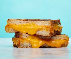 4 Easy Ways to Make the Best Grilled Cheese of All Time. Sure, you may make a pretty good grilled cheese. But here's a bit of Sandwich Theory to make it great. Best Grilled Cheese Sandwich Recipe, Perfect Grilled Cheese, Making Grilled Cheese, Grilled Cheese Recipes, Best Sandwich, Meat Recipes, Cooking Recipes, Grilled Cheeses, Sandwich Ideas