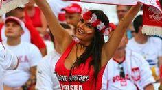 Immer wieder ein Hingucker: Die weiblichen Fans waren auf jeden Fall eine Bereicherung für die EM. (Quelle: imago/Global Images)