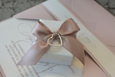 Gift Wrapping, Wedding Dresses, Gifts, Crystals, Valentines Day Weddings, Stones, Gift Wrapping Paper, Bride Dresses, Bridal Gowns