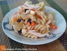 How to Make Chicken Fusilli Salad Yummy Chicken Recipes, Yum Yum Chicken, Pasta Recipes, Salad Recipes, Yummy Food, Delicious Recipes, Kawaling Pinoy Recipe, Pinoy Food, Fusilli