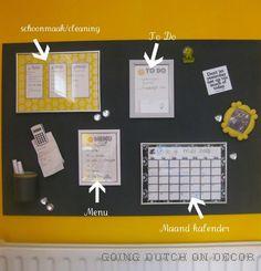 Makkelijk te maken planbord met ruimte voor X kalender X weekmenu X schoonmaakschema X to-do list X klemmen voor boodschappenlijst of bonnetjes