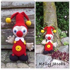 Crochet pattern Jokie (Efteling) : A free Dutch crochet pattern from Jokie from Efteling. Love Crochet, Diy Crochet, Crochet Baby, Crochet Amigurumi Free Patterns, Knitting Patterns Free, Knitted Dolls, Crochet Dolls, Diy Accessoires, Stuffed Animal Patterns