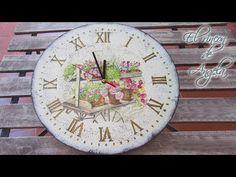 Reloj de madera estilo vintage con decoupage y craquelado con sello- Creavea - YouTube
