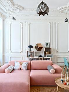 apartamenty-s-rozovym-divanom-v-marsele-1a