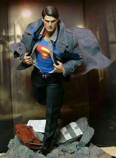 Superman Art, Superman Man Of Steel, Marvel Dc, Statues, Action Comics 1, Adventures Of Superman, Mundo Comic, Figure Poses, Dc Comics Characters