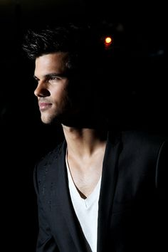 Taylor Lautner - Abduction premiere in London-  just keeps getting better