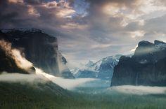 Yosemite Valley - beautiful clouds.
