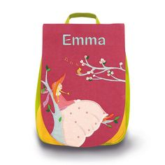 Joli sac à dos l'Oiseau Bateau, framboise, décoré d'une jeune fille et d'un rossignol, personnalisable avec un prénom brodé, qui permettra à votre enfant de vivre beaucoup d'aventures. #sacàdos #sacàdosenfant #sacàdospersonnalisable #sacàdosbrodé #broderie #sacenfant #bagage #bagageenfant #école #OiseauBateau #Jeunefille #rossignol