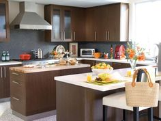 The combination of this kitchen paint colors with brown cabinets can generate lighter and brighter windowed kitchen. Here are some tricks for kitchen paint colors with brown cabinets.