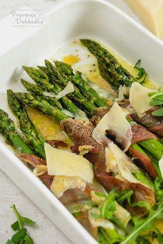 Szparagi zapiekane z szynką parmeńską i parmezanem   Poproszę Dokładkę Seaweed Salad, Cobb Salad, Asparagus, Grilling, Healthy Recipes, Healthy Food, Food And Drink, Meals, Dinner
