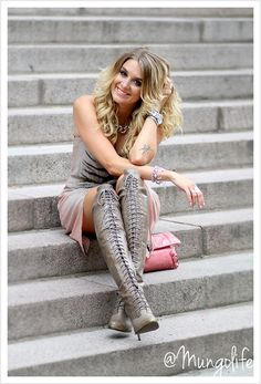 Fashion Blogger. Anna - Mongolife. Grey Leather Laced Boots: Joie.