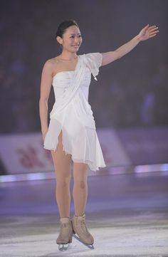 Miki Ando performing in the 2012 Dreams On Ice.
