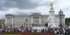 What I Learned Working a Summer Job at Buckingham Palace   VICE ...
