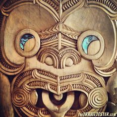 Maori Woodcarving in New Zealand Tree Carving, Wood Carving Art, Wood Art, Maori Tattoo Designs, Maori Tattoos, Maori Tribe, Maori Patterns, Tiki Tattoo, Travel Collage