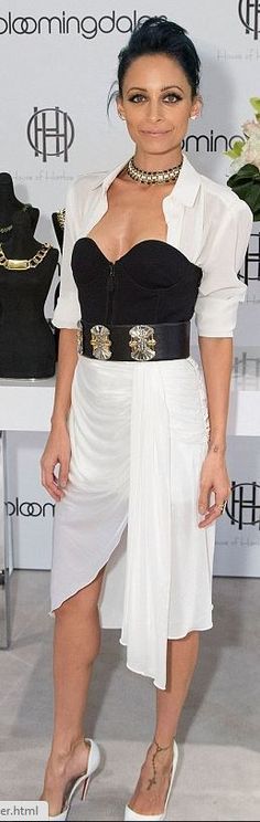 Nicole Richie: Dress – Emilio Pucci  Shoes – Christian Louboutin  Jewelry – House of Harlow