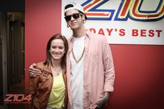 T. Mills hangin with some fans