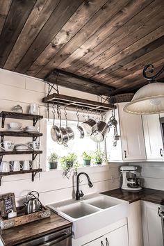 Small Farmhouse Kitchen, Kitchen On A Budget, Country Kitchen, Diy Kitchen, Kitchen Decor, Small Kitchens, Rustic Farmhouse, Pot Hanger Kitchen, Kitchen Island Pot Rack