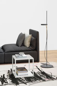 Inspired by Persian seating islands: modular sofa SHIRAZ by Philipp Mainzer and Farah Ebrahimi. Side table: FORTYFORTY by Ferdinand Kramer. Floor light: PALO by Michael Raasch. / www.e15.com #e15