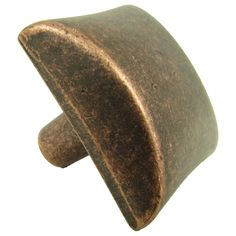 Accent your traditional style with these copper cabinet knobs. These knobs feature an antiquated appearance that elevates even the most sophisticated home decor. The knobs come in packs of five. The square knobs offer a rounded, comfort-grip top.