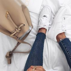 "Polubienia: 7,004, komentarze: 78 – Petra (@pepamack) na Instagramie: ""Love my new leather bag from @mon_purse #monpursemonway"""