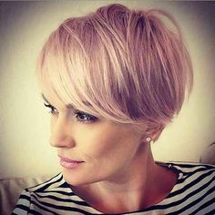 Short Hair Cuts Style Frisuren Fine-Blonde-Hair Pixie Bob Haircuts for Neat Look Wi Bobs For Thin Hair, Short Hair With Bangs, Haircuts With Bangs, Short Hair Cuts, Bob Haircuts, Pixie Cuts, Bob Hairstyles For Fine Hair, Pixie Hairstyles, Fashion Hairstyles