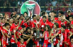 @Benfica O #Benfica conquista com esta vitória a sua sexta #Supertaça Cândido de Oliveira #9ine Captain America, Football, Superhero, Fictional Characters, Tops, Olive Tree, Soccer, Futbol, American Football