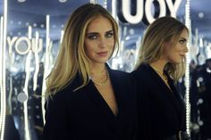 #ChiaraFerragni con collana in oro giallo della collezione Tiffany T di @tiffanyandco all'inaugurazione di YOU - THE DIGITAL FASHION REVOLUTION http://www.theauburngirl.com/you-the-digital-fashion-revolution/